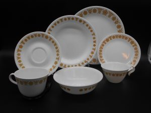 corelle-butterfly-gold-multi-dj-treasures-under-sugar-loaf-winona-minnesota-antiques-collectibles-crafts