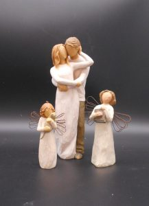 willow-tree-angel-family-7214-treasures-under-sugar-loaf-winona-minnesota-antiques-collectibles-crafts