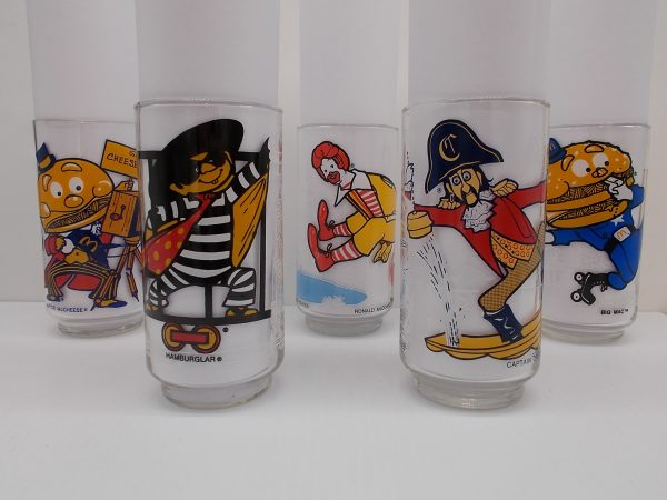 mc-donaldland-glasses-all-dj-treasures-under-sugar-loaf-winona-minnesota-antiques-collectibles-crafts