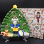 block-christmas-tree-plate-1-dj-treasures-under-sugar-loaf-winona-minnesota-antiques-collectibles-crafts