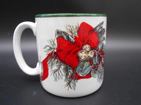 christmas-coffee-mug-3-dj-treasures-under-sugar-loaf-winona-minnesota-antiques-collectibles-crafts