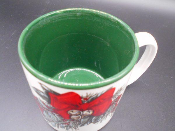 christmas-coffee-mug-4-dj-treasures-under-sugar-loaf-winona-minnesota-antiques-collectibles-crafts