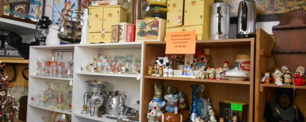 booth-jj-treasures-under-sugar-loaf-winona-minnesota-antiques-collectibles-crafts