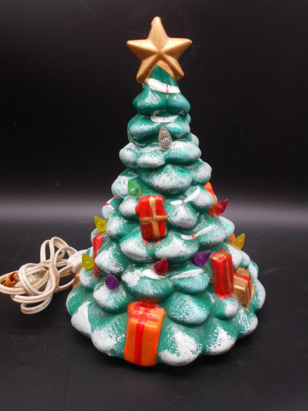 christmas-tree-with-teddy-bear-4-dj-treasures-under-sugar-loaf-winona-minnesota-antiques-collectibles-crafts