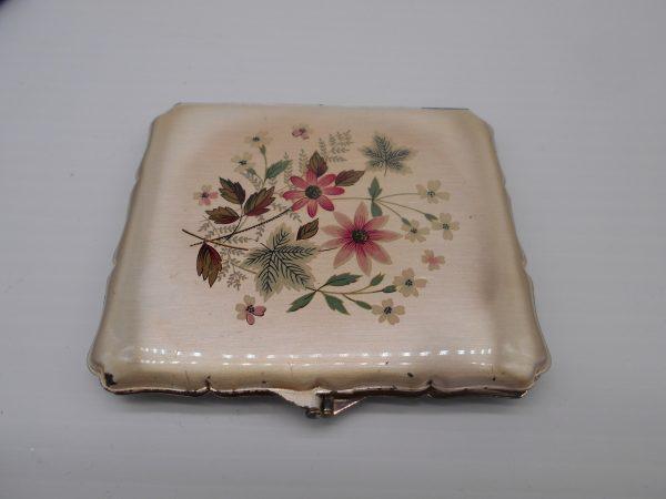 stratton-cigarette-case-1-dj-treasures-under-sugar-loaf-winona-minnesota-antiques-collectibles-crafts