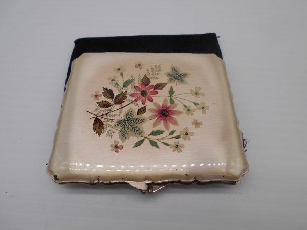 stratton-cigarette-case-2-dj-treasures-under-sugar-loaf-winona-minnesota-antiques-collectibles-crafts