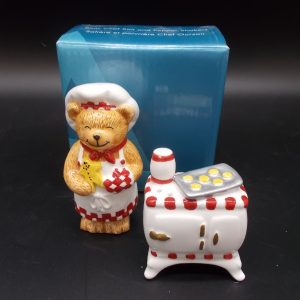bear-chef-sp-1-dj-treasures-under-sugar-loaf-winona-minnesota-antiques-collectibles-crafts