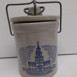 independence-hall-crock-1-dj-treasures-under-sugar-loaf-winona-minnesota-antiques-collectibles-crafts