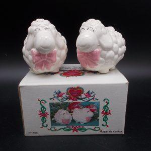 lamb-sp-1-dj-treasures-under-sugar-loaf-winona-minnesota-antiques-collectibles-crafts