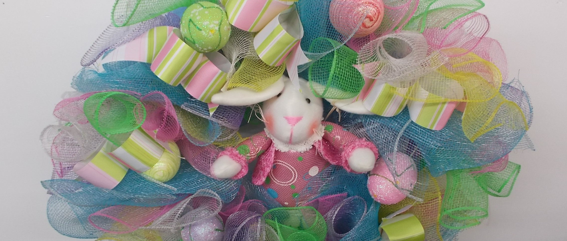 banner-easter-decoration-2646-treasures-under-sugar-loaf-winona-minnesota-antiques-collectibles-crafts