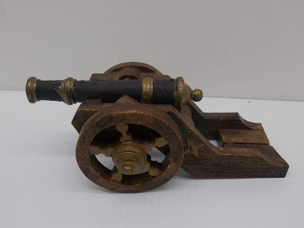 cannon-1-dj-treasures-under-sugar-loaf-winona-minnesota-antiques-collectibles-crafts