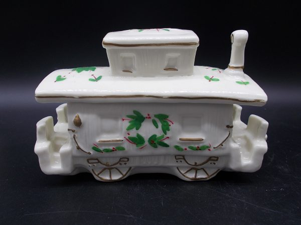 christmas-train-4-dj-treasures-under-sugar-loaf-winona-minnesota-antiques-collectibles-crafts