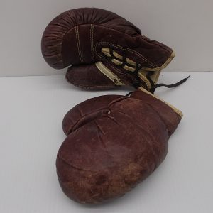jc-higgins-youth-boxing-gloves-1-dj-treasures-under-sugar-loaf-winona-minnesota-antiques-collectibles-crafts